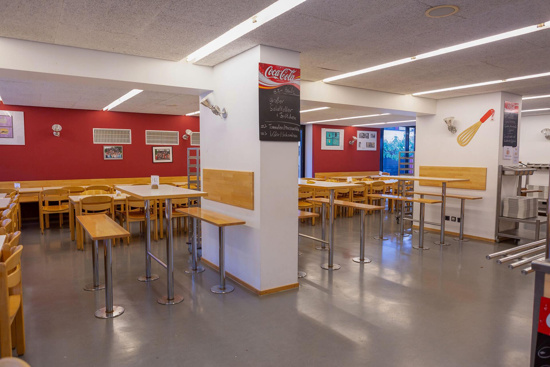 Blick in die Räumlichkeiten der Cafeteria