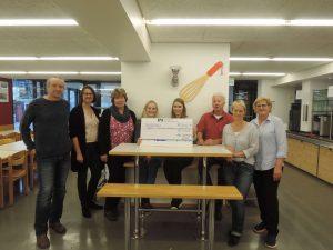 Spendenübergabe des Abiturjahrgangs 2018 an die Cafeteria